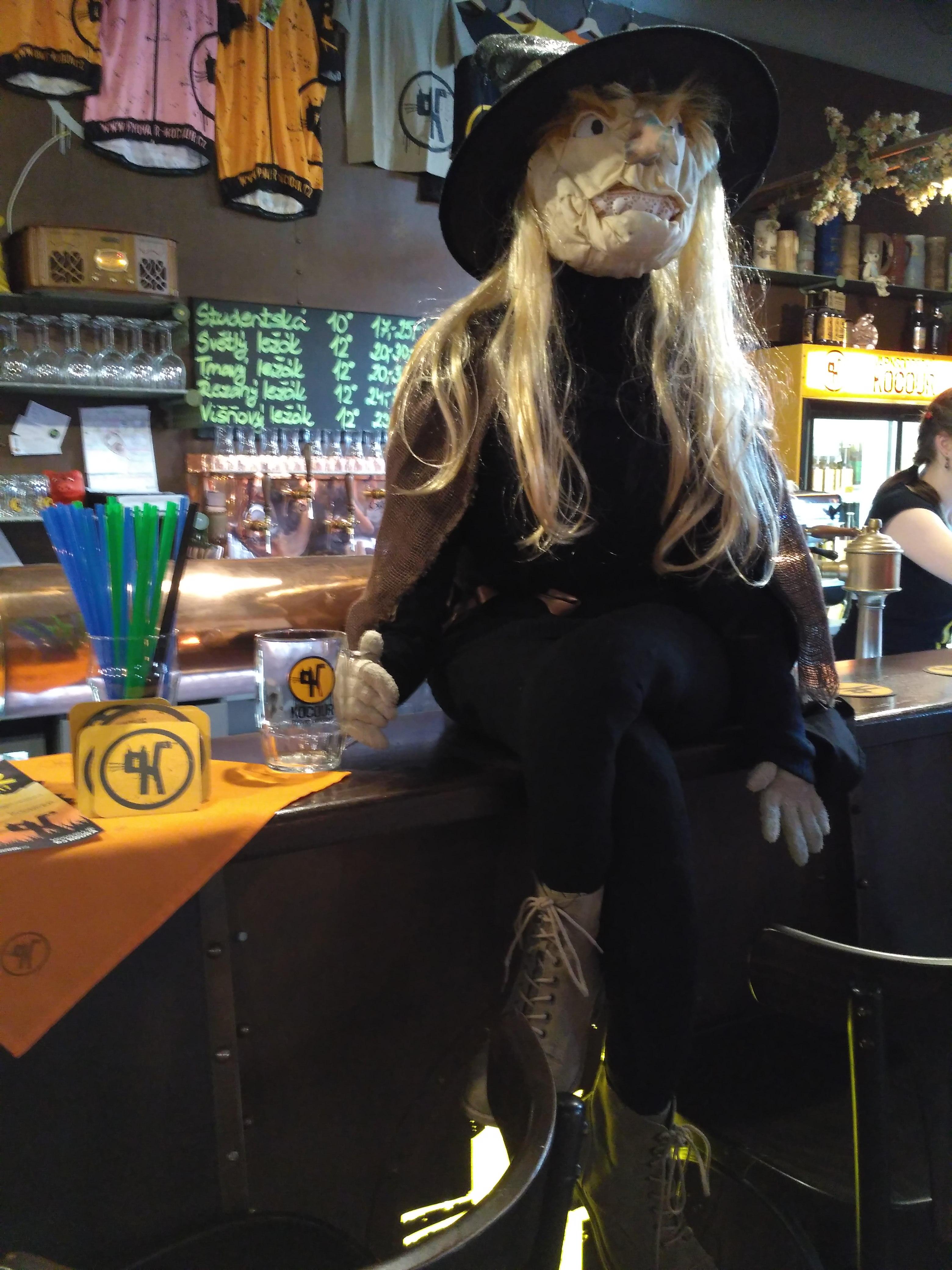 Specjalnie przygotowana lady na święto czarownic