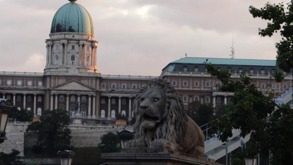 Zabytków Ci w Budapeszcie dostatek.