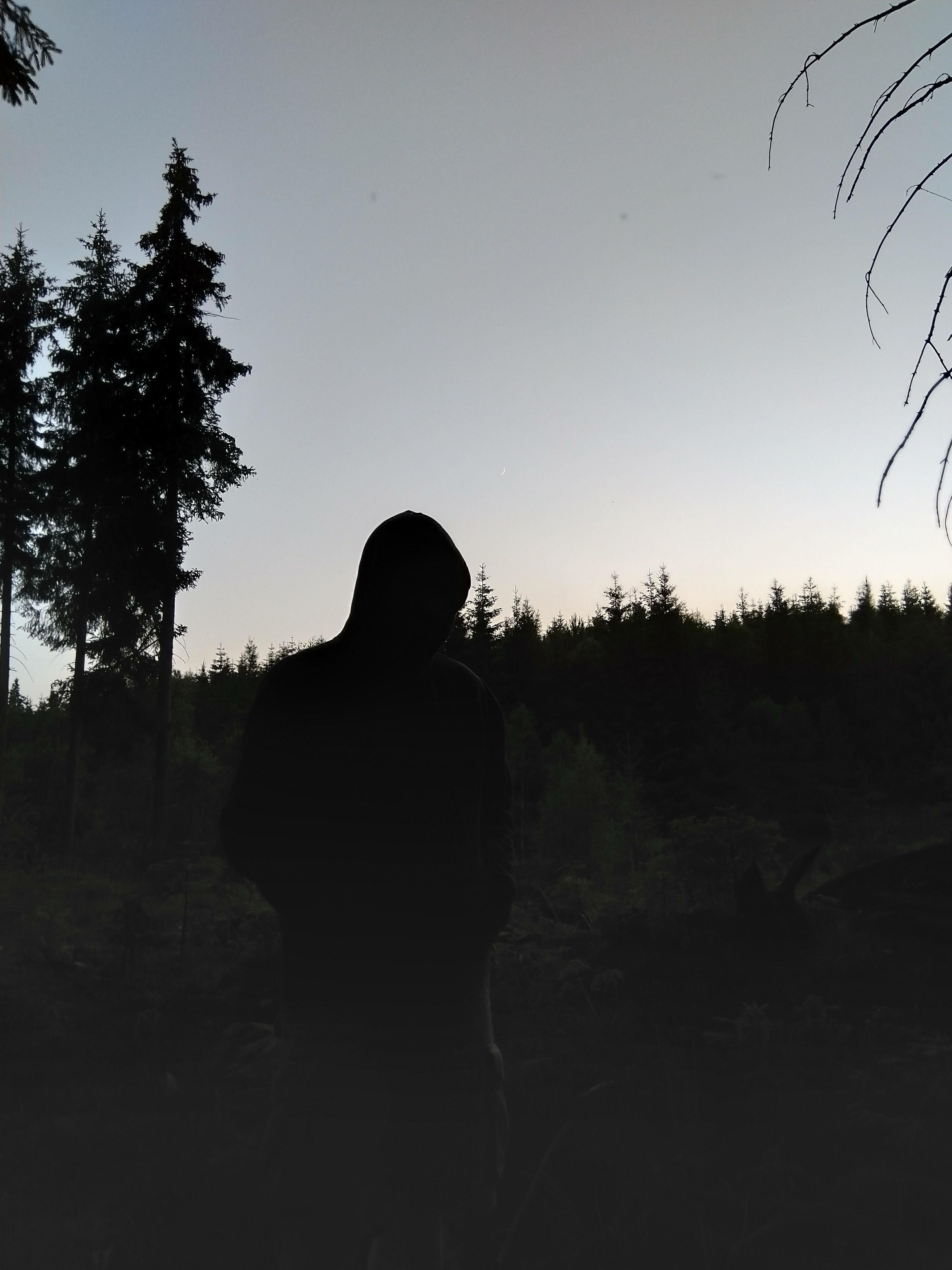 Czy to mroczny motyw z okładki zespołu black metalowego? Nie, to nocna zjawa w naszym obozie ;)