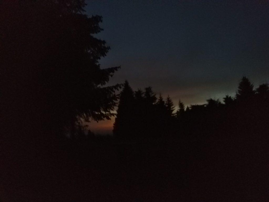 Tuż przed świtem