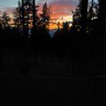Zachód słońca widziany z obozowiska
